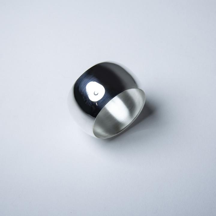Rond Tonneau en métal argenté